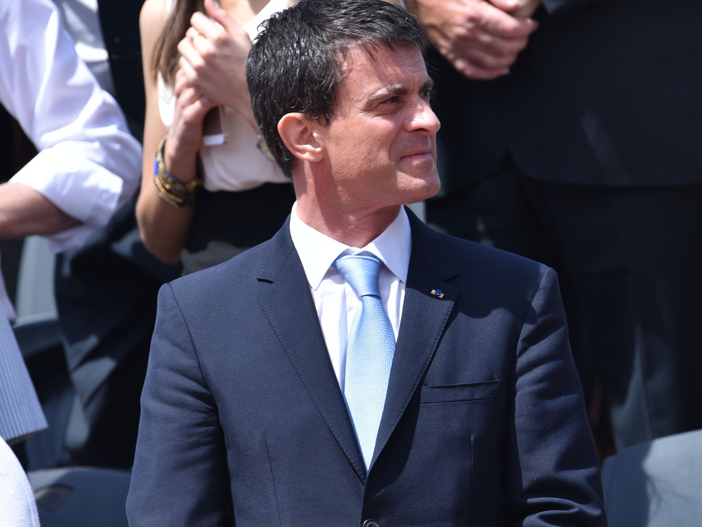 Manuel-Valls-dans-les-tribunes-de-Roland-Garros-a-Paris-le-7-juin-2015_exact1024x768_l
