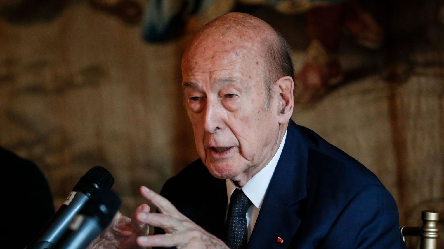 valery-giscard-d-estaing-participe-a-une-conference-sur-l-europe-le-5-juin-2015-a-new-york_5372393